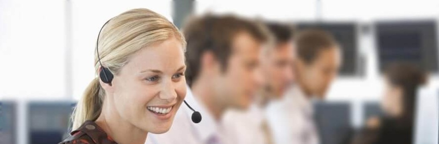 Call Center Agents in Hamburg im Kundengespräch